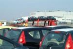 Výroba aut v ČR přesáhla čtvrt milionu vozů