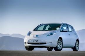 (Česky) Nissan chce v ČR prodat 30 Leafů