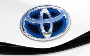 Toyota svolává hybridy kvůli hrozbě požáru