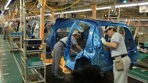 Tempo průmyslové výroby v září kleslo