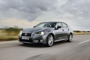 Hybridní Lexus za cenu benzínu