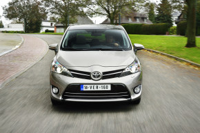 Toyota begins to offer new Verso