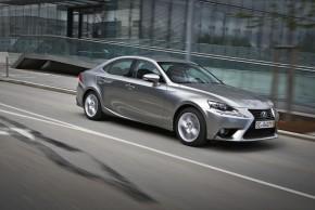 Němci zvolili hybridní Lexus IS firemním autem roku