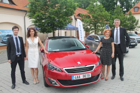 Peugeot introduced 308 SW at Stirin Castle