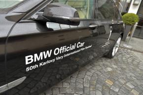 Filmové hvězdy ve Varech vozí opět BMW