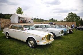 Do Dubče se sjely Rollsy a Bentleye