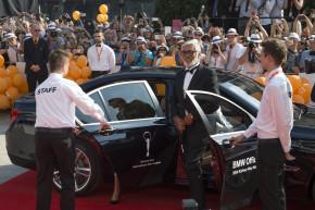 Hvězdy festivalu vozily ke koberci BMW řady 7