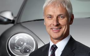 Šéf VW se omluvil za testy na opicích a lidech