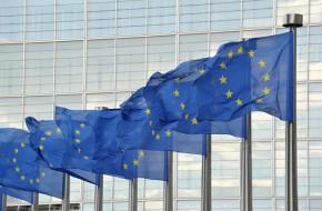 EU šetří Dieselgate, Google potkal autobus