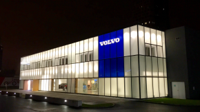 Volvo swings to profit in first quarter