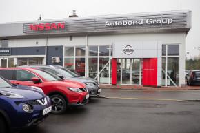 Nissan otevřel Ostravu a hledá další dealery