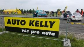 Auto Kelly pořádala air show v Hradci