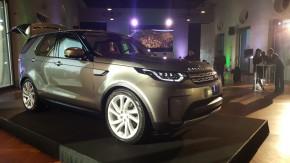 Land Rover předvedl Discovery v jízdárně