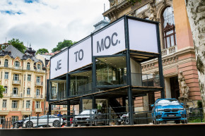 BMW ve Varech: sto testů, Havlová v lounge