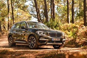 BMW prodává nové X3 a Gran Turismo 6