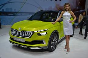 Ženeva 2018: hybridy, elektromobily, málo modelek
