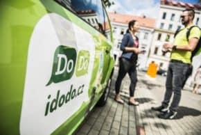 DoDo vozí nabíjecí stanice pro elektromobily