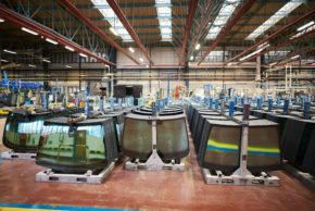 AGC Automotive loni vyrobil 32,5 milionů autoskel