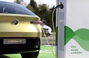Škoda buduje 7000 dobíječek pro elektromobily
