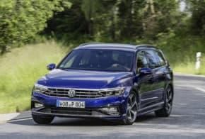 Modernizovaný Volkswagen Passat je v prodeji