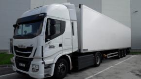 Albert nakoupil 47 kamionů na CNG