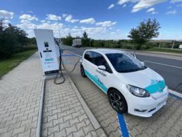 Dealeři aut vykročili do elektromobilní budoucnosti