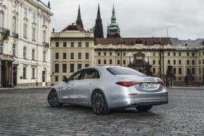 Mercedes-Benz prodal za kvartál 2300 aut